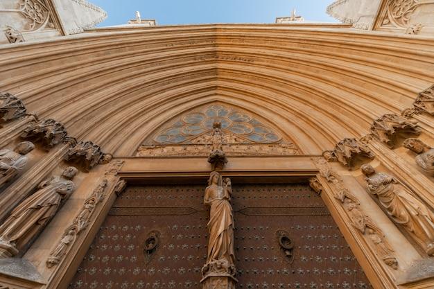 Ansichten der kathedrale von tarragona, katalonien, spanien