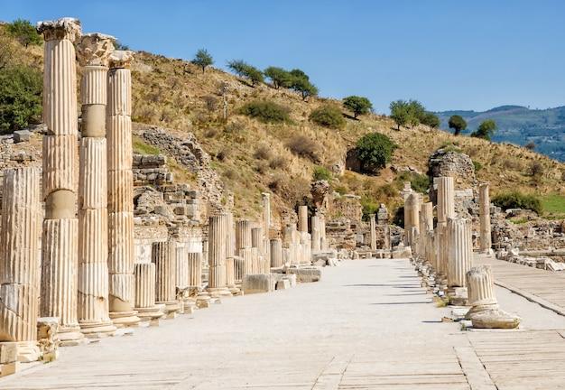Antike efes efesus stadtruine in der türkei