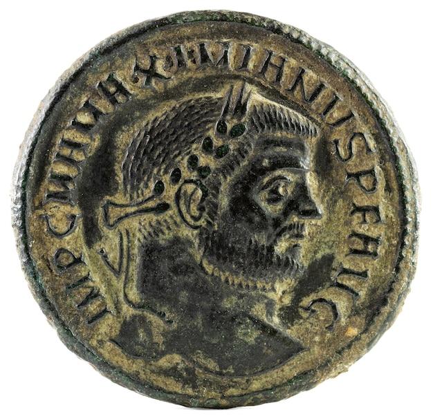 Antike römische kupfermünze von kaiser maximianus. vorderseite.