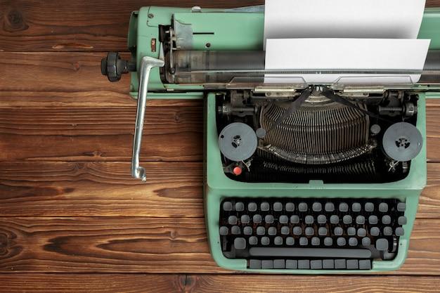 Antike schreibmaschine. vintage schreibmaschine