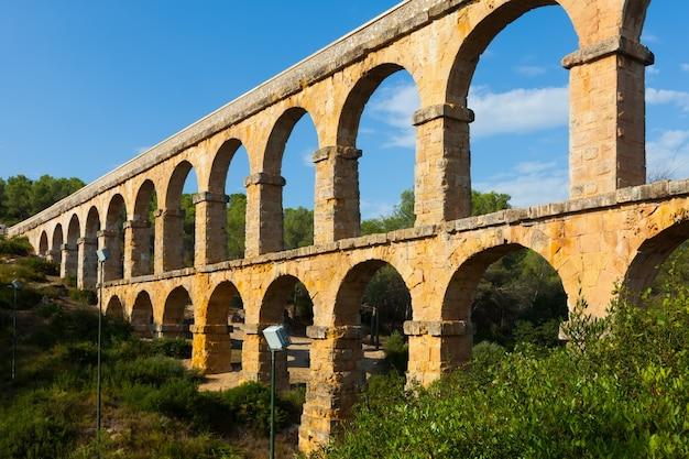 Antiker römischer aquädukt in tarragona