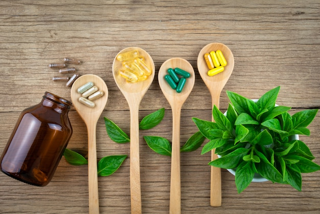 Antioxidantien vitamin, pillen, bio-kräutermedizin und nahrungsergänzungsmittel aus der natur