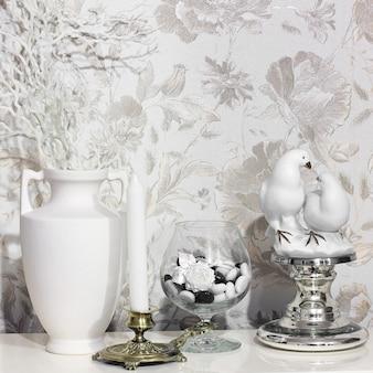 Antiquitäten als dekorationselemente
