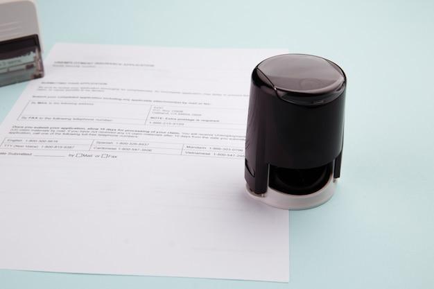 Antragsformular für sozialversicherungsleistungen in nahaufnahme.