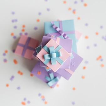 Anwesende geschenke saisonfeiertag geben