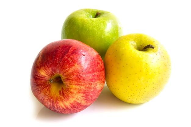 Apfel drei farbe rot, gelb und grün frisch obst