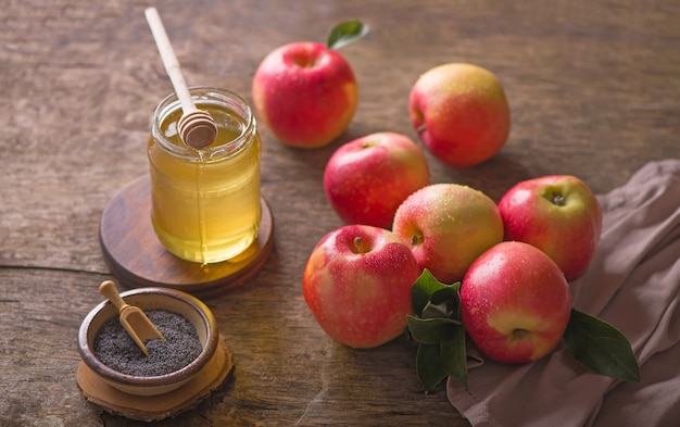 Apfel und honig, traditionelles essen der jüdischen neujahrsfeier