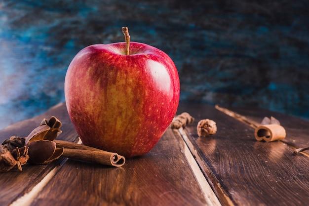 Apfel und zimt