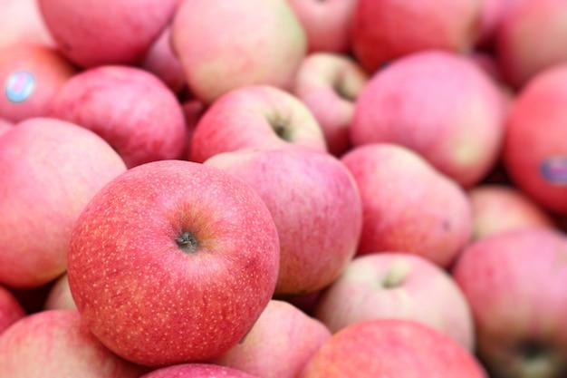 Apfelfrüchte in der straßenküche
