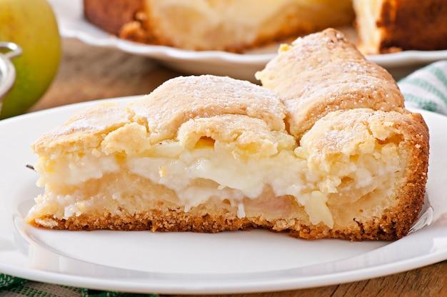 Apfelkuchen mit vanillesoße