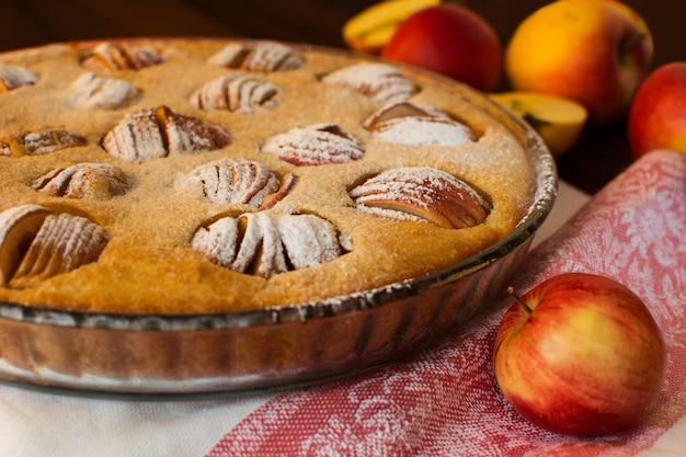 Apfelkuchen und äpfel