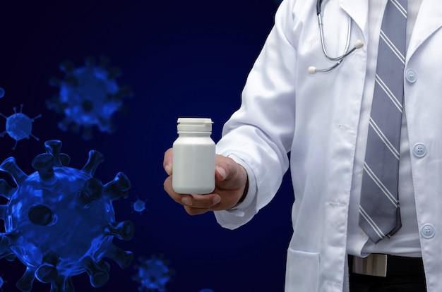 Apotheker arzt mit stethoskop hand hält weiße medizinflasche mit gruppe von viruszellen, coronavirus 2019 ausbruch (covid19)