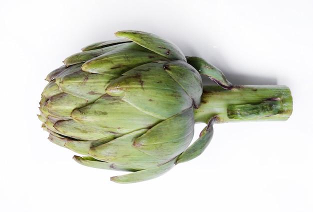 Appetitliche gemüse-artischocke