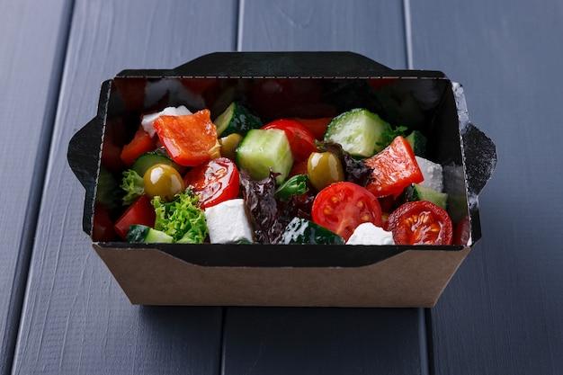 Appetitliches essen in schachteln für firmenfeiern