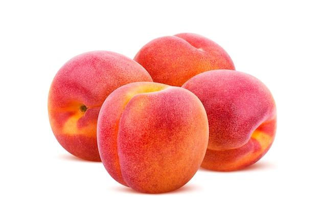Aprikose isoliert. ansammlung aprikosen getrennt auf weißem hintergrund