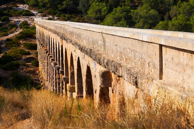 Aquädukt von les ferreres in tarragona. spanien