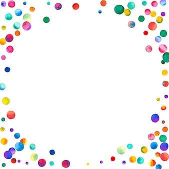 Aquarell konfetti auf weißem hintergrund. entzückende regenbogenfarbene punkte. glückliche feier quadratische bunte helle karte. magnetisches handbemaltes konfetti.