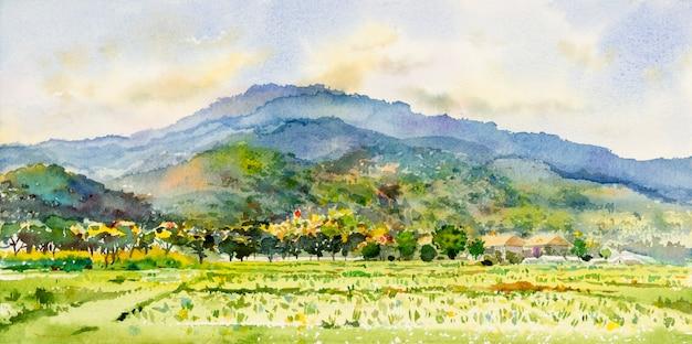Aquarell-landschaftsmalerei bunt von gebirgszug mit bauernhof-kornfeld in panoramaansicht und gefühl ländlicher gesellschaft, naturschönheitsskyline-hintergrund. handgemalte abstrakte illustration in asien.