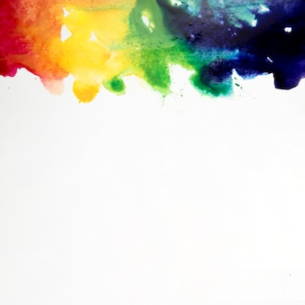 Aquarell pinselstriche mit regenbogenfarben