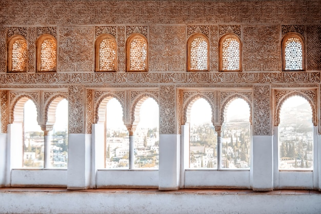 Arabische fenster in einem tempel