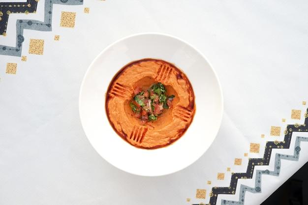 Arabischer hummus, ägyptische küche, nahöstliches essen, arabische mezza, arabische küche, arabisches essen