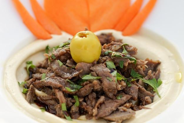 Arabischer hummus shawarma, ägyptische küche, nahöstliches essen, arabische mezza, arabische küche, arabisches essen