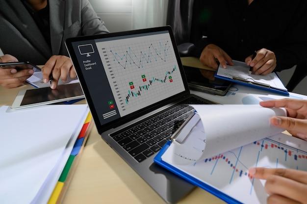 Arbeiten sie hart data analytics statistics information business technology