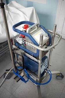 Arbeitende ecmo maschine auf der intensivstation