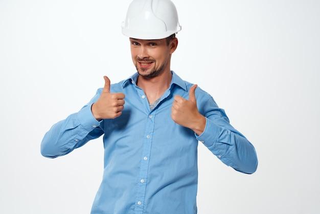 Arbeiter männlicher ingenieur bau weißer helm
