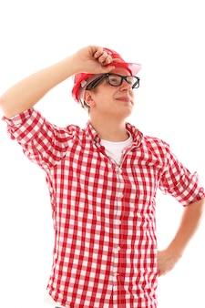 Arbeiter mit rotem schutzhelm