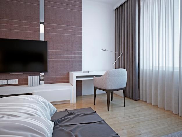 Arbeitsbereich im art-deco-schlafzimmer mit weißem tisch und weichen stühlen für produktives arbeiten oder lesen von büchern.