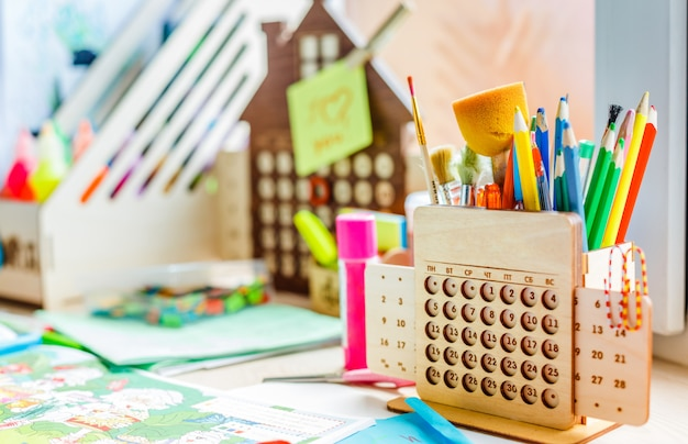 Arbeitsplatz für kreativität und unterricht