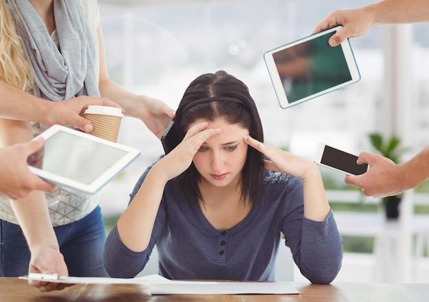 Arbeitsplatz quarter enttäuscht frau gefahr