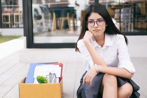 Arbeitsplatzwechsel, arbeitslosigkeit, zurückgetretenes konzept.