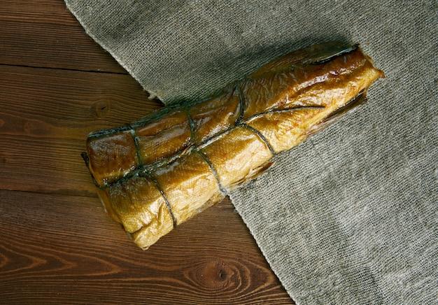 Arbroath smokie art von geräuchertem schellfisch von arbroath in angus, schottland.