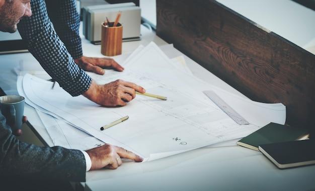 Architekten-design-projekt, das diskussions-konzept trifft