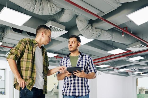 Architekten diskutieren wichtige themen