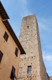 Architektur von san gimignano, kleines mittelalterliches dorf der toskana.