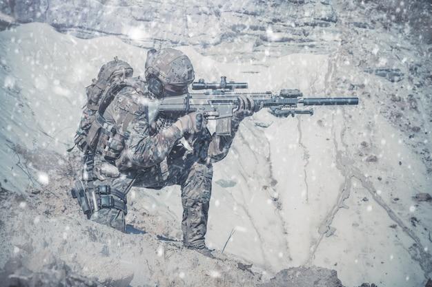 Armeeförster in den bergen