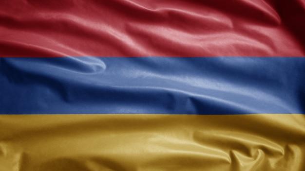 Armenische flagge, die im wind weht