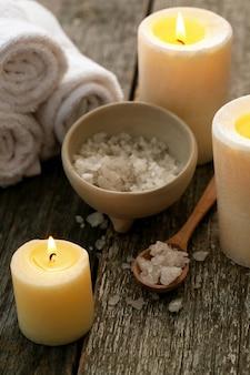 Aromatherapie-behandlung mit kerzen