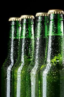 Arrangement mit leckerem amerikanischem bier Kostenlose Fotos