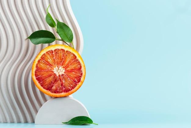 Arrangement von köstlichen frischen früchten