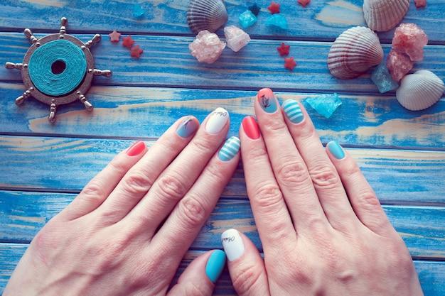 Art sea manicure
