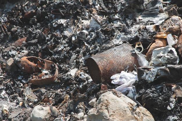 Asche textur von müllverbrennung verursacht verschmutzung, abfall ist giftiger rauch.