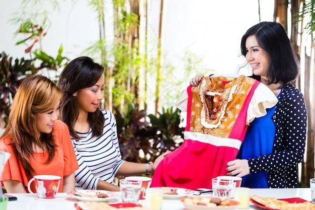 Asiaten sind modebewusst