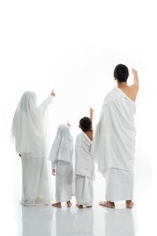 Asiatische muslimische familie hadsch schoss von hinten