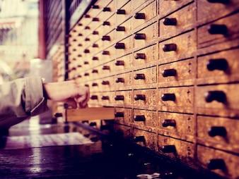 Asiatische Schublade organisiert ordentliche Hand