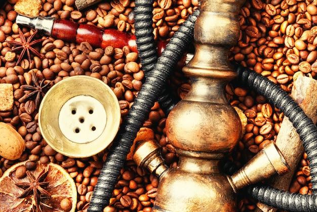 Asiatische tabakhuka mit kaffeearoma