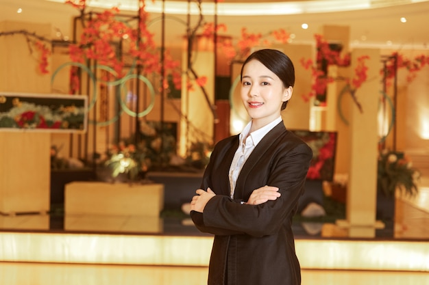Asiatischer empfang begrüßt die kunden